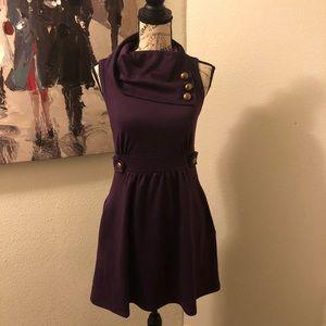 Adorable sleeveless cowl neck dress size small